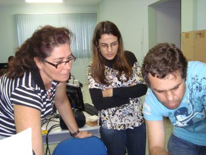 http://www.overmundo.com.br/uploads/blogs/img/1255994556_na_oficina_tv_de_bolso_realizada_em_alegre_com_professores_da_rede_publica_do_sudoeste_do_estado.jpg
