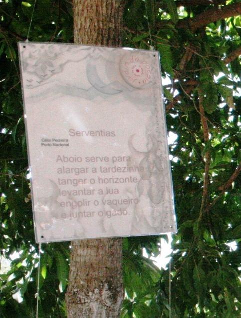 banco de jardim poesia:PLANTAÇÃO NO JARDIM DA POESIA ::